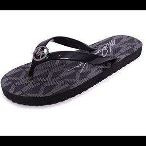 NIB! Michael Kors Flip flop size 10